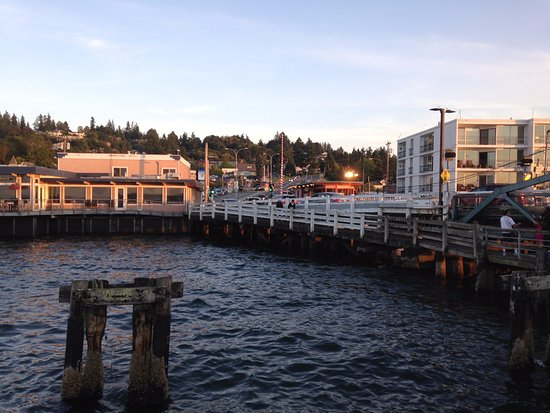 Ivar's Mukilteo Landing: Ivar's on the left of the dock in the picture.