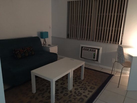 Cheston House Gay Resort: The sitting area