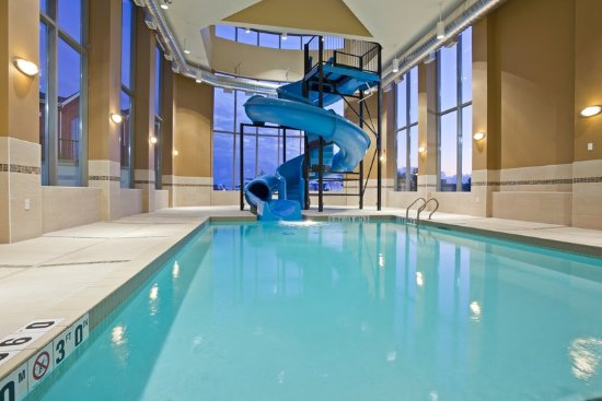 Holiday inn express hotel suites woodstock updated 2017 prices reviews ontario tripadvisor for Hotels in norwich with swimming pools