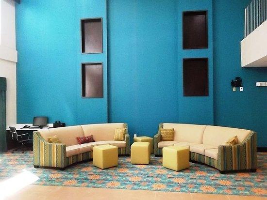 Bolivia, นอร์ทแคโรไลนา: Holiday Inn Express Southport-Oak Island  NC Hotel Lobby
