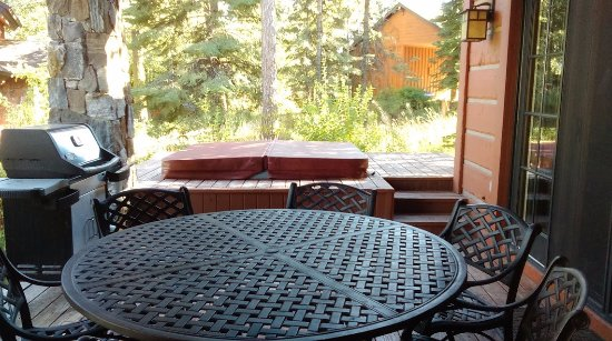 Tamarack Resort: patio and hot tub
