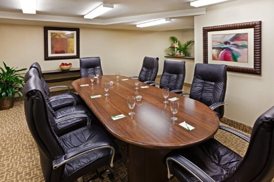 Holiday Inn & Suites Beaufort at Highway 21: The Boardroom is perfect for small group business meetings