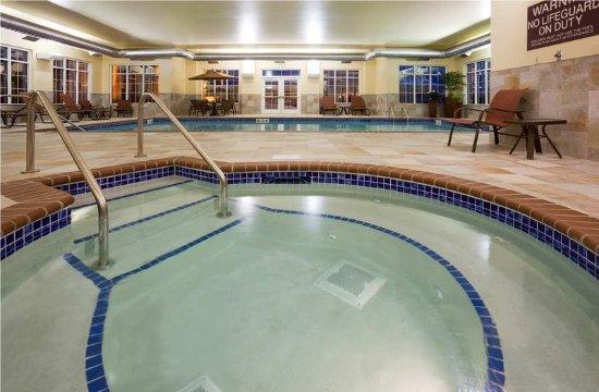 Homewood Suites Minneapolis - New Brighton: Pool and Whirlpool