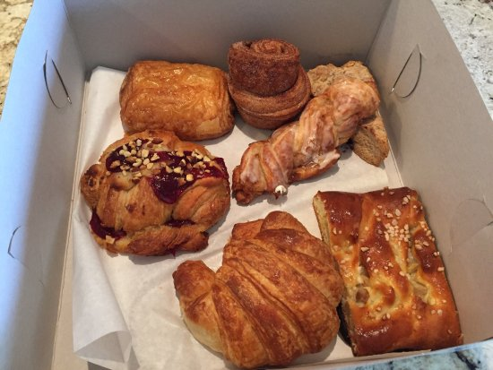 Petite Madeline Bakery: photo0.jpg