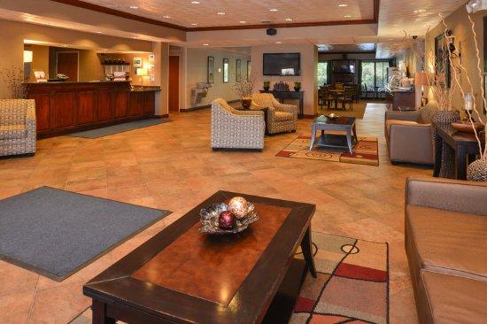 Holiday Inn Express Morgantown: Hotel Lobby