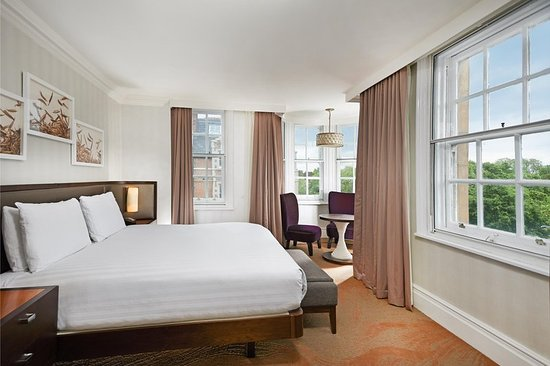 Hilton London Hyde Park: King Deluxe Room with View