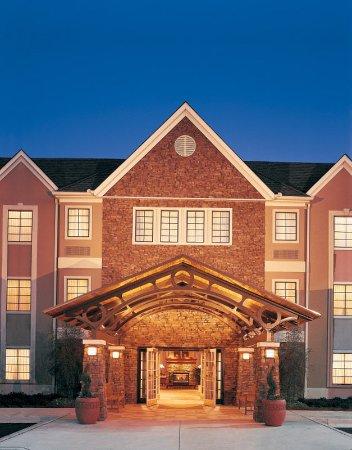 Franklin, WI: Hotel Exterior
