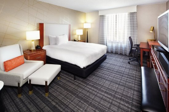 Doubletree Dallas Near the Galleria: Accessible Queen Guestroom