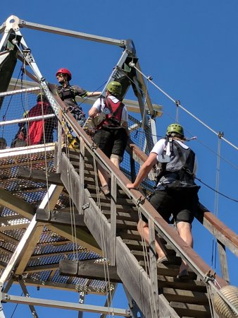 Chase, Canadá: Climbing the training tower