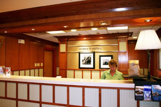 Seaford, DE: Front Desk