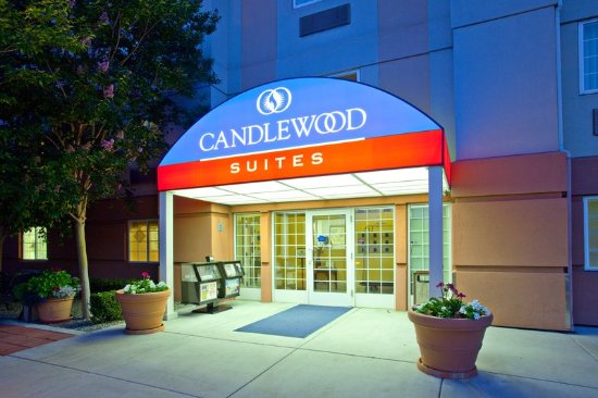 Candlewood Suites North Orange County: The Candlewood Suites Extended Stay Hotel Entrance at Dusk