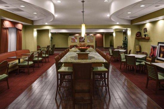 hampton inn petersburg southpark mall 139 1 6 5. Black Bedroom Furniture Sets. Home Design Ideas