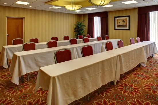 Colonial Heights, VA: Classroom Setup Meeting Room