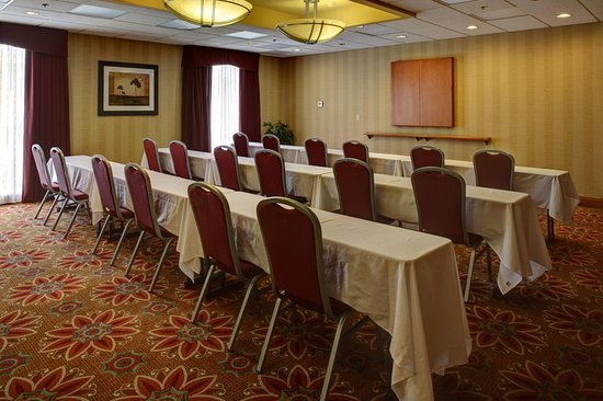 Colonial Heights, VA: Classroom Style Meeting Room