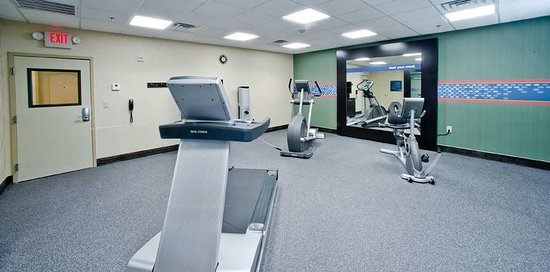 Hampton Inn & Suites by Hilton Denison: Fitness Center