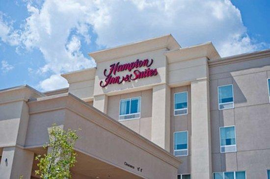 Hampton Inn & Suites by Hilton Denison: Hotel Exterior