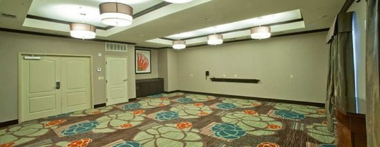 Denison, TX: Spacious Meeting Room
