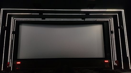 Escape Cinemas: 20170823_235004_large.jpg