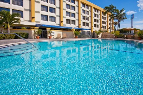 Holiday Inn Express Miami-Hialeah (Miami Lakes): Holiday Inn Express Hialeah/Miami Lakes-Swimming Pool