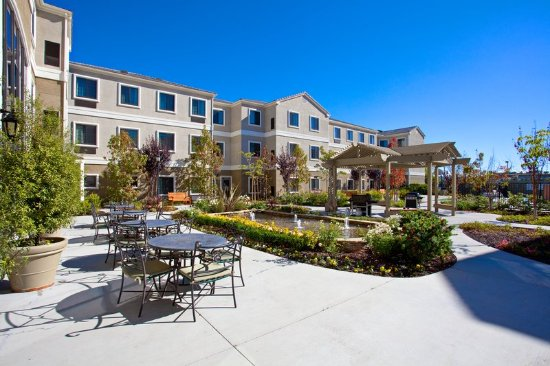 Staybridge Suites Irvine Spectrum/Lake Forest: Patio