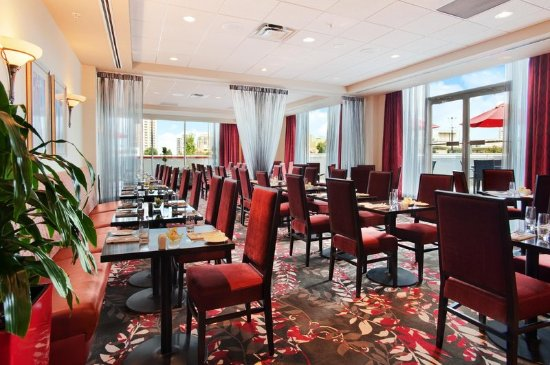 Hilton Vancouver Metrotown: Reflect Soicla Dining & Lounge