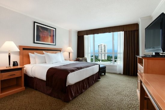 Hilton Vancouver Metrotown: 1 King Bed Deluxe Room with View