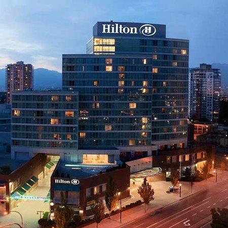 Hilton Vancouver Metrotown: Exterior