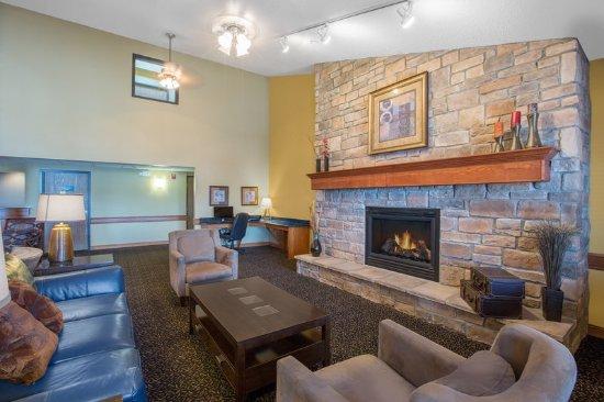 AmericInn Lodge & Suites Lincoln South: Lobby