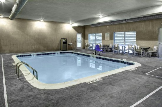 Holiday Inn Express Amp Suites Coldwater Updated 2017