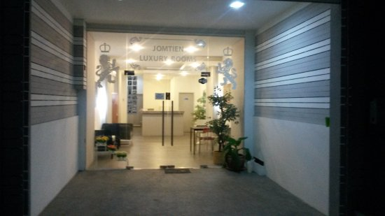 Jomtien luxury rooms apartment reviews price for Interno 7 luxury rooms tripadvisor