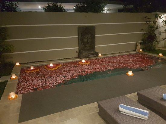 Bali Cosy Villa: 20170820_194220_large.jpg