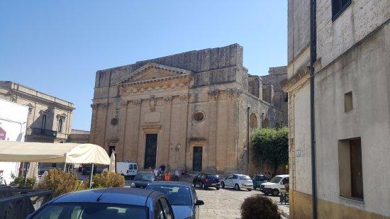 d94b64381ff90 Macelleria della Piazza  La macelleria si trova sulla sinistra della foto