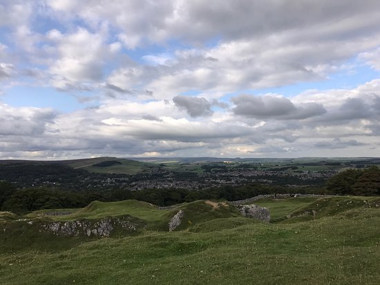 Poole's Cavern & Buxton Country Park: Beautiful scenery