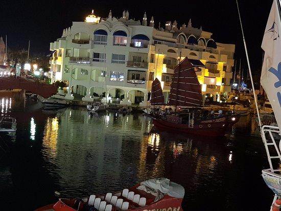 Desde nuestra mesa del restaurante fotograf a de el - Los mellizos puerto marina ...