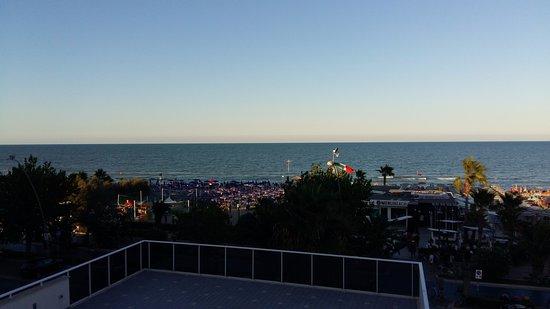 Panorama fronte mare - Foto di Residenza Le Terrazze, Alba Adriatica ...