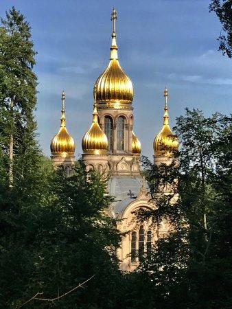 Russisch-Orthodoxe Kirche (auch : Griechische Kapelle): in der Abendsonne...