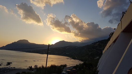 Creta Mare Hotel: 20170814_194453_large.jpg
