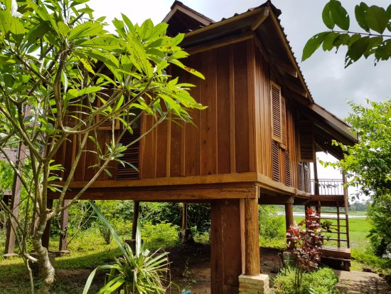 Ban Khiet Ngong, Laos: outside view of the bungalow
