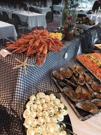 See food buffet