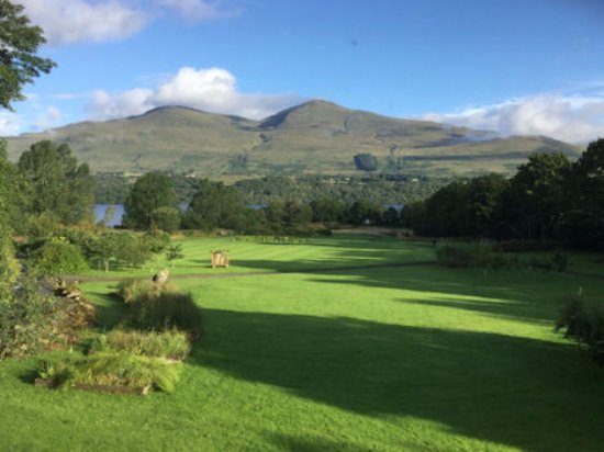 Ardeonaig Hotel: Early morning view from our room