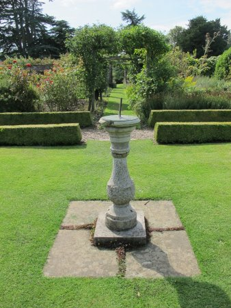 Gunby Hall and Gardens: Sundial