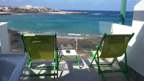 Terraza De La Habitación Con Vistas Al Mar Y Jacuzzi
