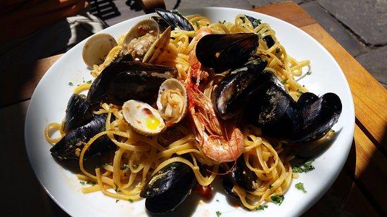 Bistro Toc: Linguine with Clams & Shrimp