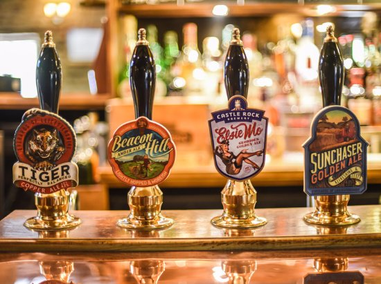 Chacombe, UK: Everards and guest ales