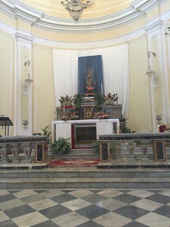 Motta Sant'Anastasia, Italy: Altare