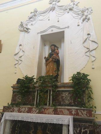 Motta Sant'Anastasia, Italien: Altare