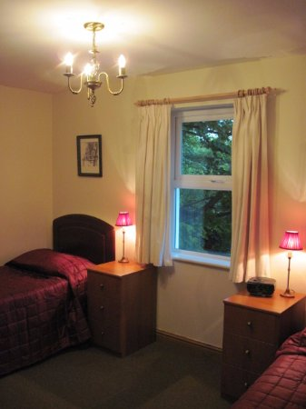 Ballacain Courtyard Cottages: Bluebell Twin Room