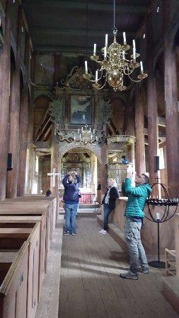 Interno della stavkirke di Kaupanger