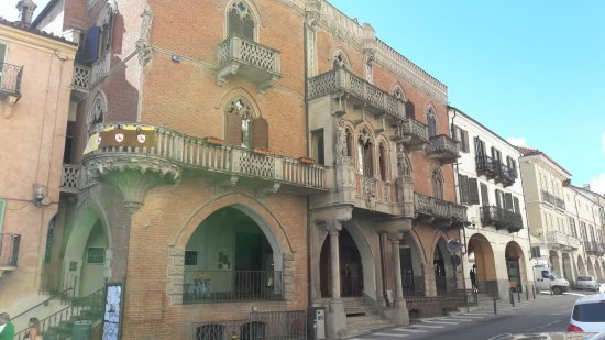 Fossano, Italia: Via Roma