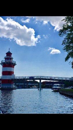 Dorf-Zechlin, Germany: Egal ob im Zechliner Hof, der dazugehörigen Gaststätte, auf dem Boot unten am See oder Spielplat